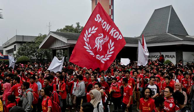 This Steven Gerrard street party, in Indonesia, has been going on for six years.